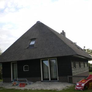 Dwarsgracht-nieuw-rieten-dak