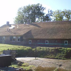woonboerderij-met-riet-dak