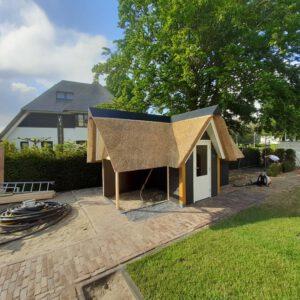 Rieten-dak-op-nieuwbouw-woning-in-Elburg 3