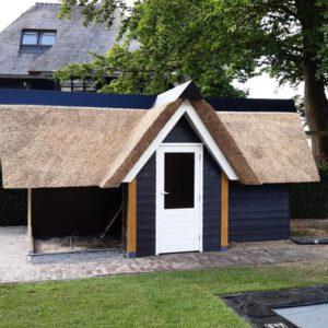 Rieten-dak-op-nieuwbouw-woning-in-Elburg 7