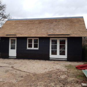 Rieten-dak-op-nieuwbouw-woning-in-Elburg9